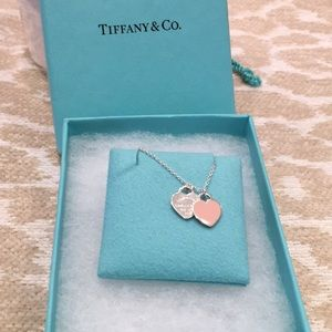 Tiffany&co. Double heart tag pendant.